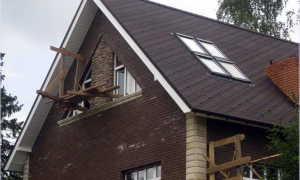 Двухскатная крыша с мансардой своими руками — устройство и монтаж (фото, видео, схемы)
