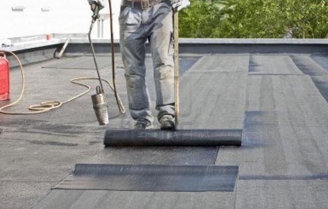как правильно покрыть крышу гаража рубероидом