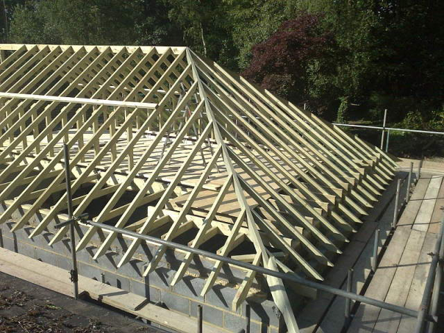 Готовый каркас вальмовой крыши