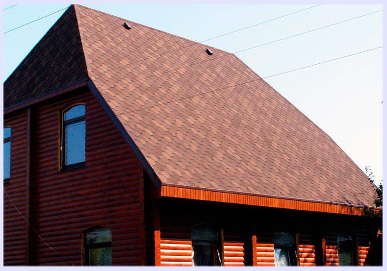Трехскатная крыша жилого дома