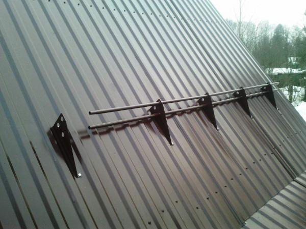 Трубчатый снегорез для крыши
