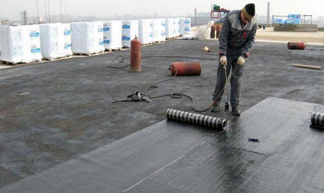 покрыть крышу гаража рубероидом