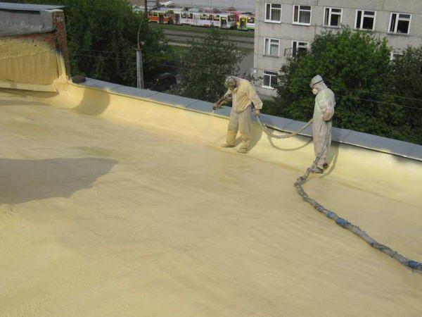 Заливка плоской крыши пенополиуретаном