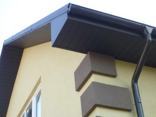 Горизонтальная подшивка с выносом на фронтон