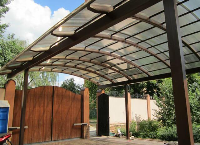 двухскатная крыша из поликарбоната