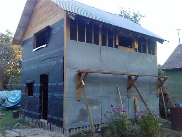Зашивка стен дома из плоского шифера