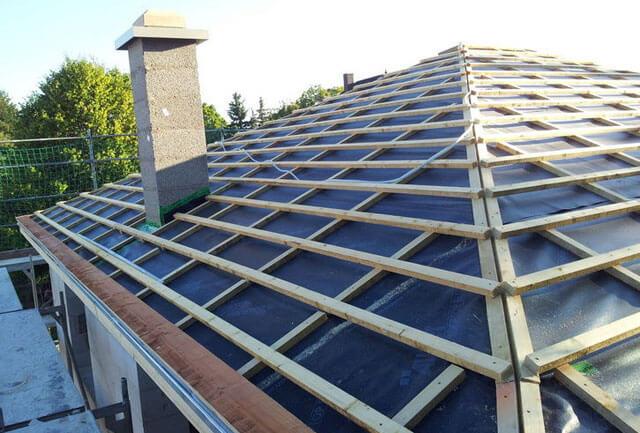 как правильно рассчитать четырехскатную крышу