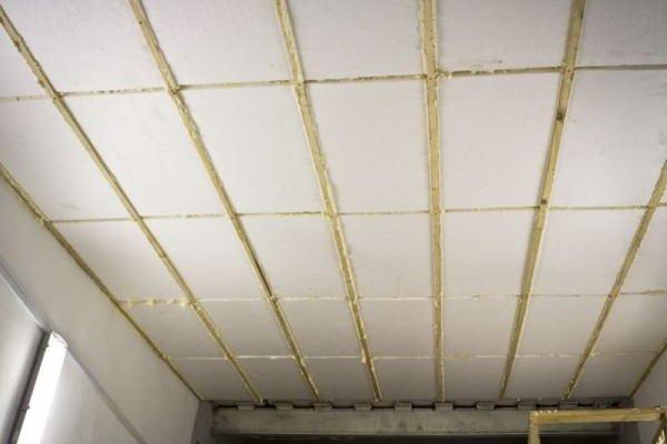 Утепление потолка с помощью пенопласта