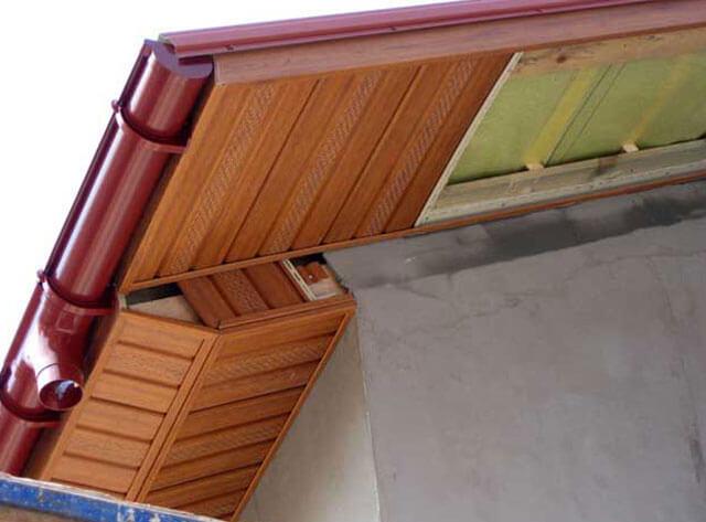 подбой крыши софитом