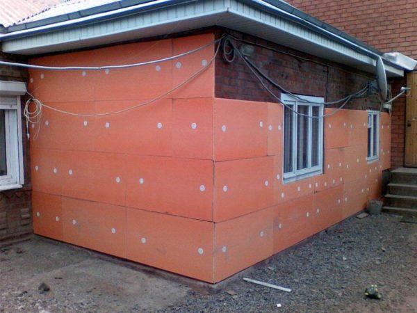 Использование XPS для теплоизоляции фасада.