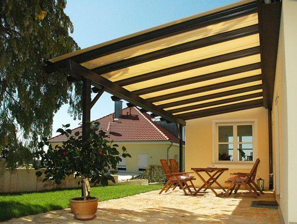 Навесы для дома имеют ряд особенностей, характерных для этого типа конструкций.
