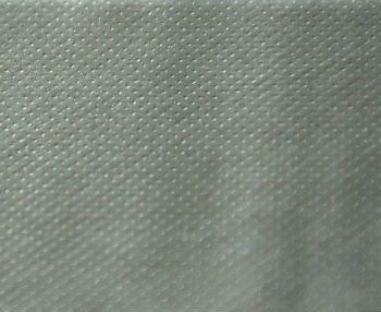 Одна сторона полипропиленовой пароизоляции имеет шероховатую поверхность, которая задерживает влагу