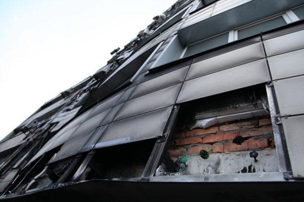Особенно опасен пенопласт в вентилируемом фасаде, так как там хорошая тяга.