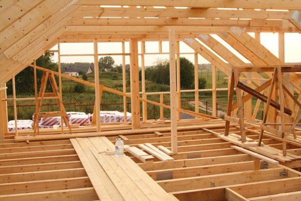 Постройка мансардной крыши обойдется дешевле, чем возведение второго этажа