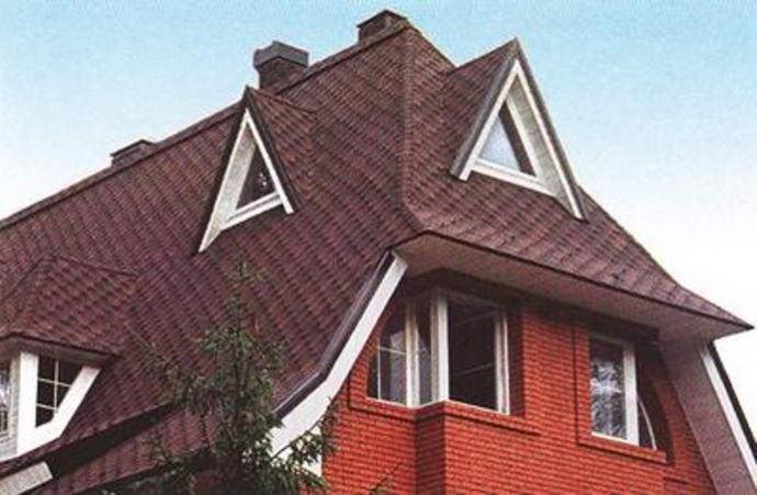 Полувальмовая голландская крыша
