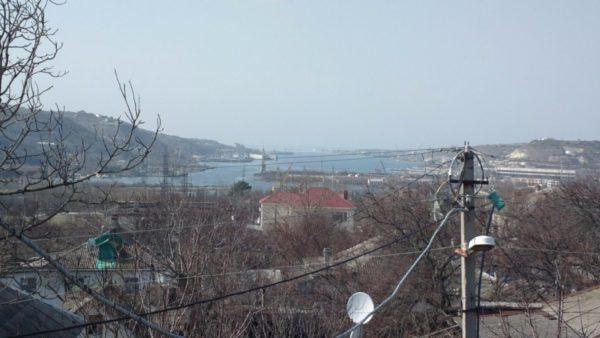 Так Севастопольская бухта выглядит с моего балкона.