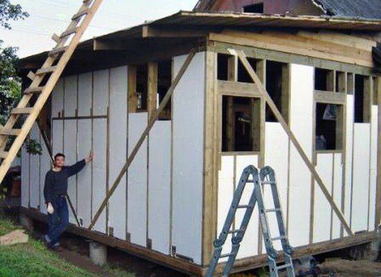 Утепленные пенопластом каркасные стены изнутри обязательно нужно защитить от влаги пароизоляцией