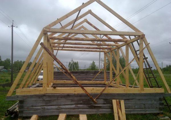 Заготовка стропильной системы, для мансарды, которая будет использоваться в качестве одного основного этажа